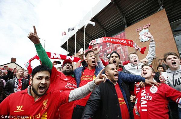 anfiled_kopites_liverpool.thumb.jpg.9114